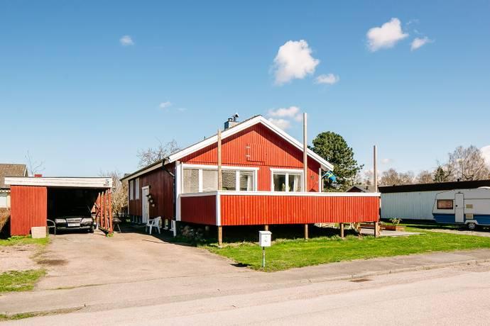 Bild: 6 rum villa på Timmervägen 16, Mariestads kommun Marieholm