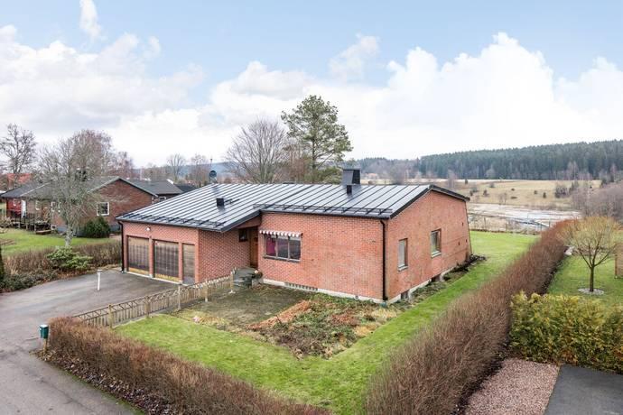 Bild: 6 rum villa på Ågatan 3, Ulricehamns kommun Dalum