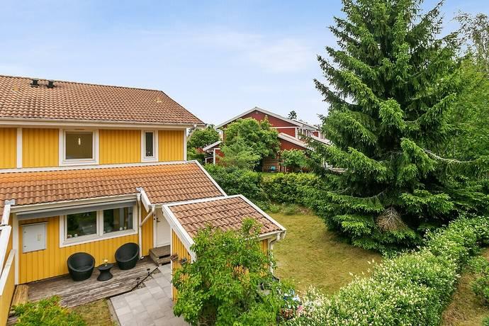 Bild: 4 rum villa på Nyponvägen 18, Nykvarns kommun