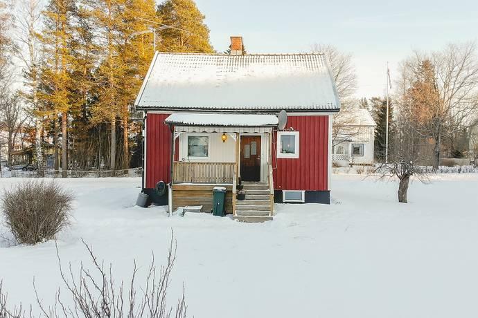 Bild: 3 rum villa på Trädgårdsvägen 1, Nordmalings kommun Rundvik