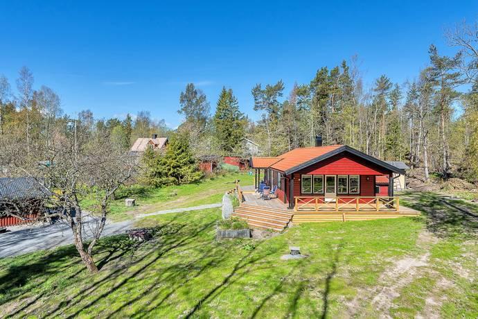 Bild: 3 rum fritidshus på Karlsängsvägen 61 (Norrtälje Harg 7:99), Norrtälje kommun