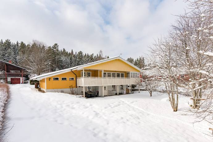 Bild: 7 rum villa på Burkarls väg  13, Borlänge kommun Skräddarbacken