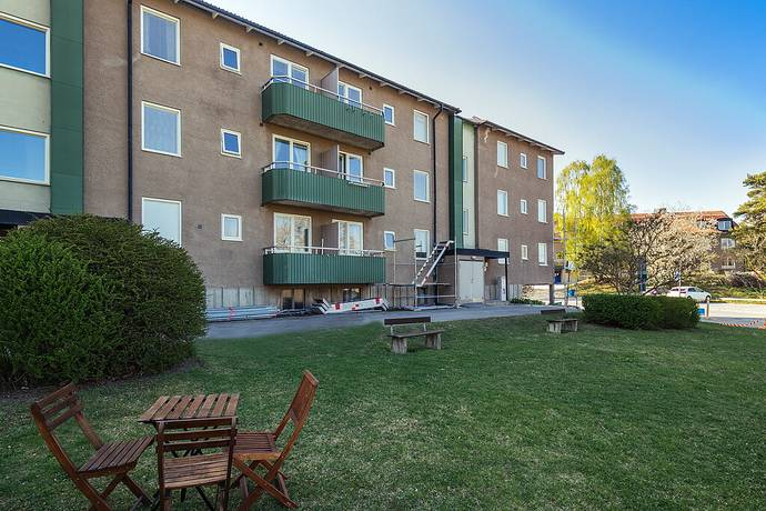 Bild: 2 rum bostadsrätt på Arrendatorsvägen 6B, Huddinge kommun Kvarnbergsplan - Centrala Huddinge