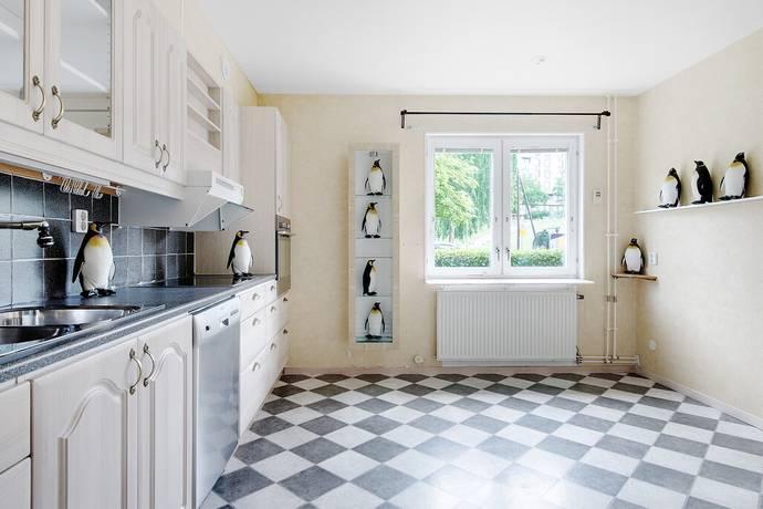 Bild: 3 rum bostadsrätt på Hästskovägen 80, Järfälla kommun Jacobsberg