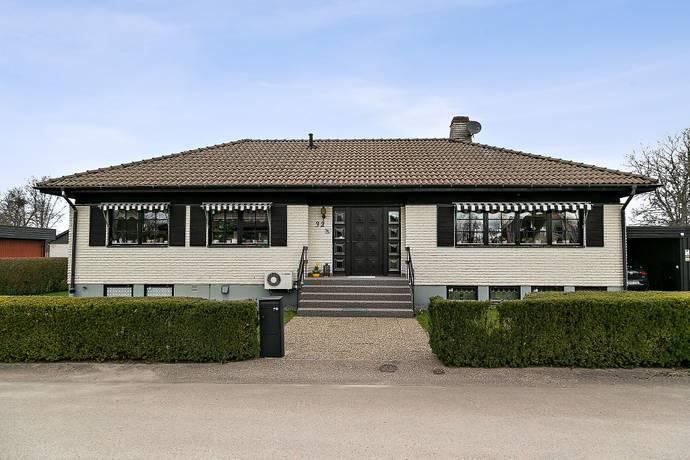 Bild: 4 rum villa på Alvägen 32, Grästorps kommun