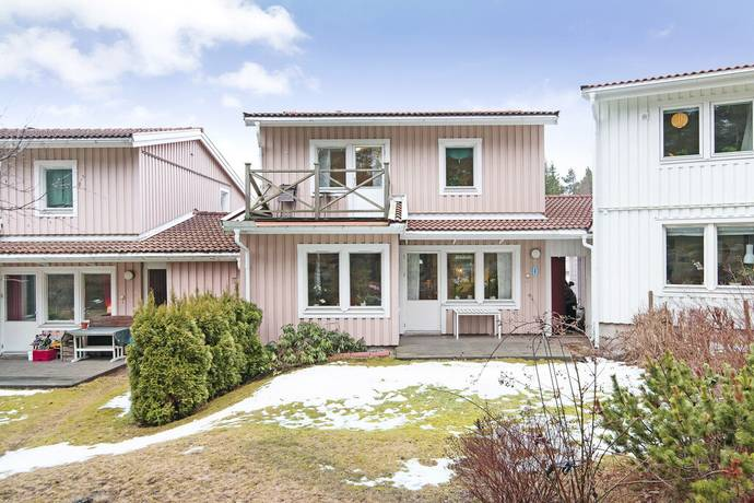 Bild: 4 rum radhus på Möjavägen 40, Danderyds kommun Enebyberg