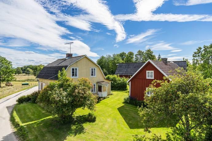 Bild: 4 rum gård/skog på Skararp 3470, Markaryds kommun Skararp