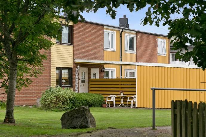 Bild: 4 rum radhus på Bryggumsgatan  34, Trollhättans kommun SANDHEM