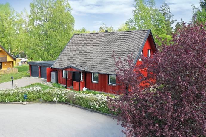 Bild: 9 rum villa på Hässjevägen 11, Heby kommun Heby