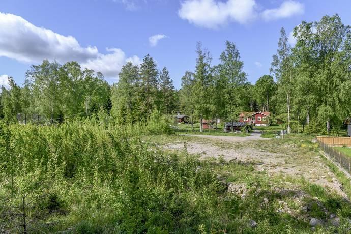 Bild: tomt på Lärkvägen 22, Södertälje kommun Vattubrinken