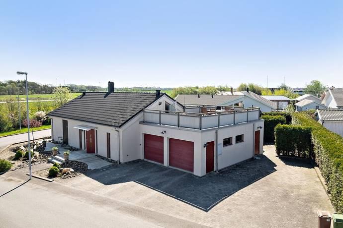 Bild: 4 rum villa på Aktervägen 18, Varbergs kommun Träslövsläge