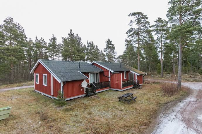 Bild: 6 rum villa på Hasselvägen 61/62, Oskarshamns kommun Figeholm