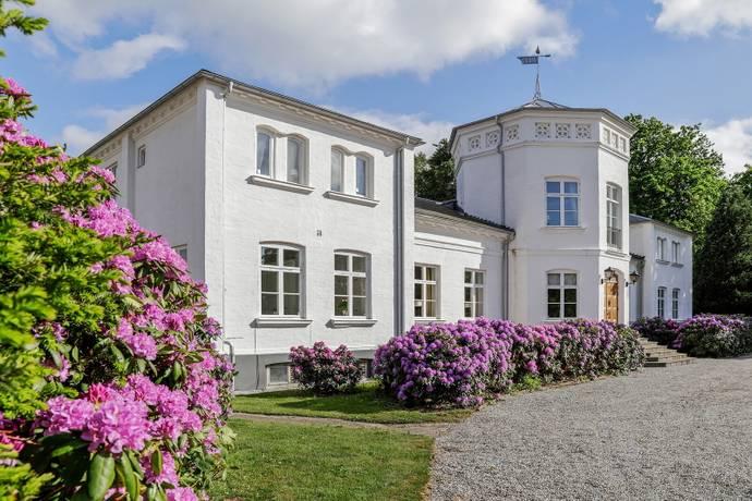 Bild: 14 rum gård/skog på Kullavägen 205, Ängelholms kommun Ängelholm