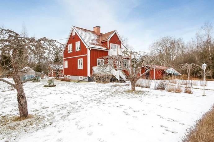 Bild: 5 rum villa på Snatrabodvägen 6, Tierps kommun Karlholmsbruk