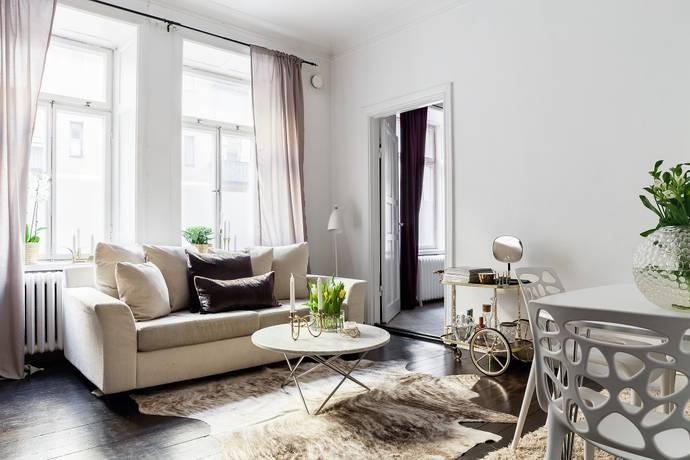 Bild: 2 rum bostadsrätt på Östermalmsgatan 68B entréplan, Stockholms kommun Östermalm