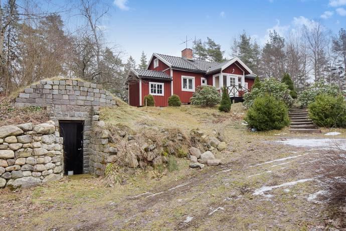 Bild: 74 m² villa på Glasberga 15, Södertälje kommun Glasberga