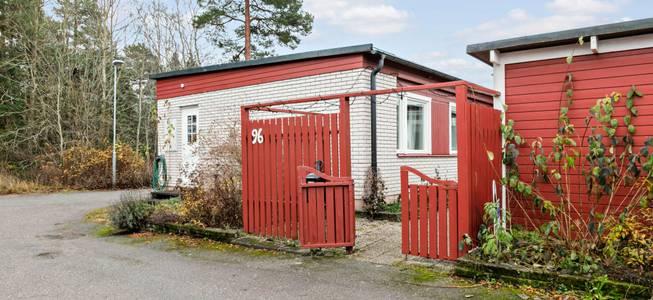 hus i enköping