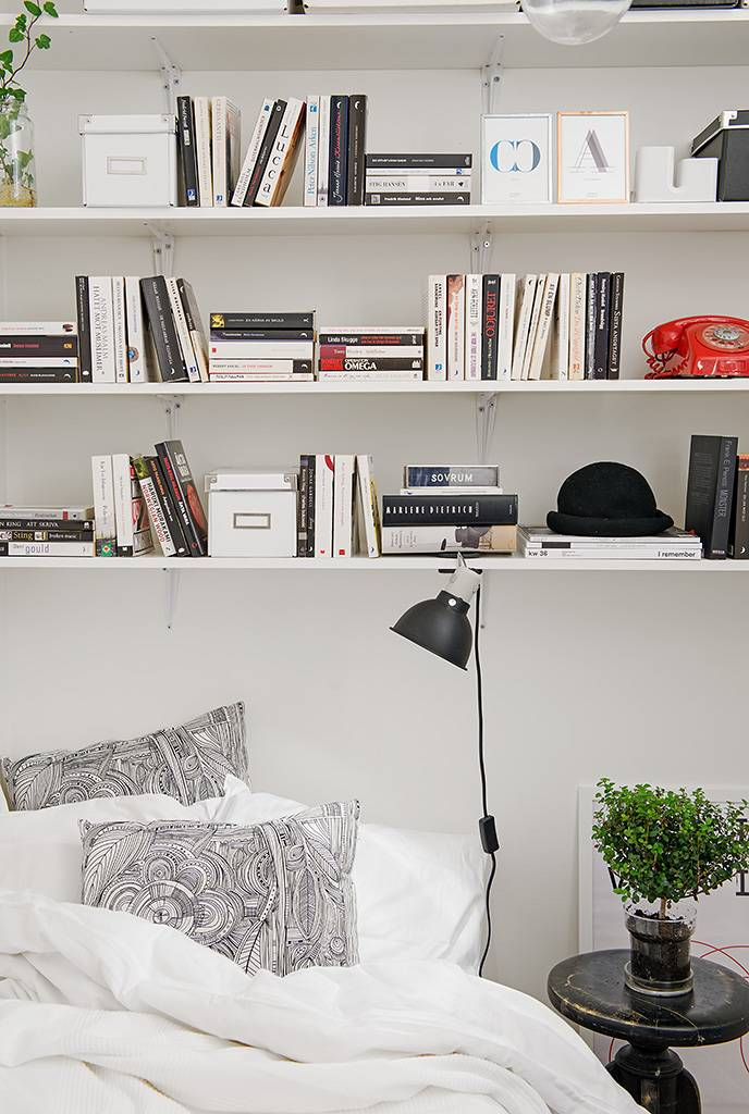 Small Apartment Bedroom Decor